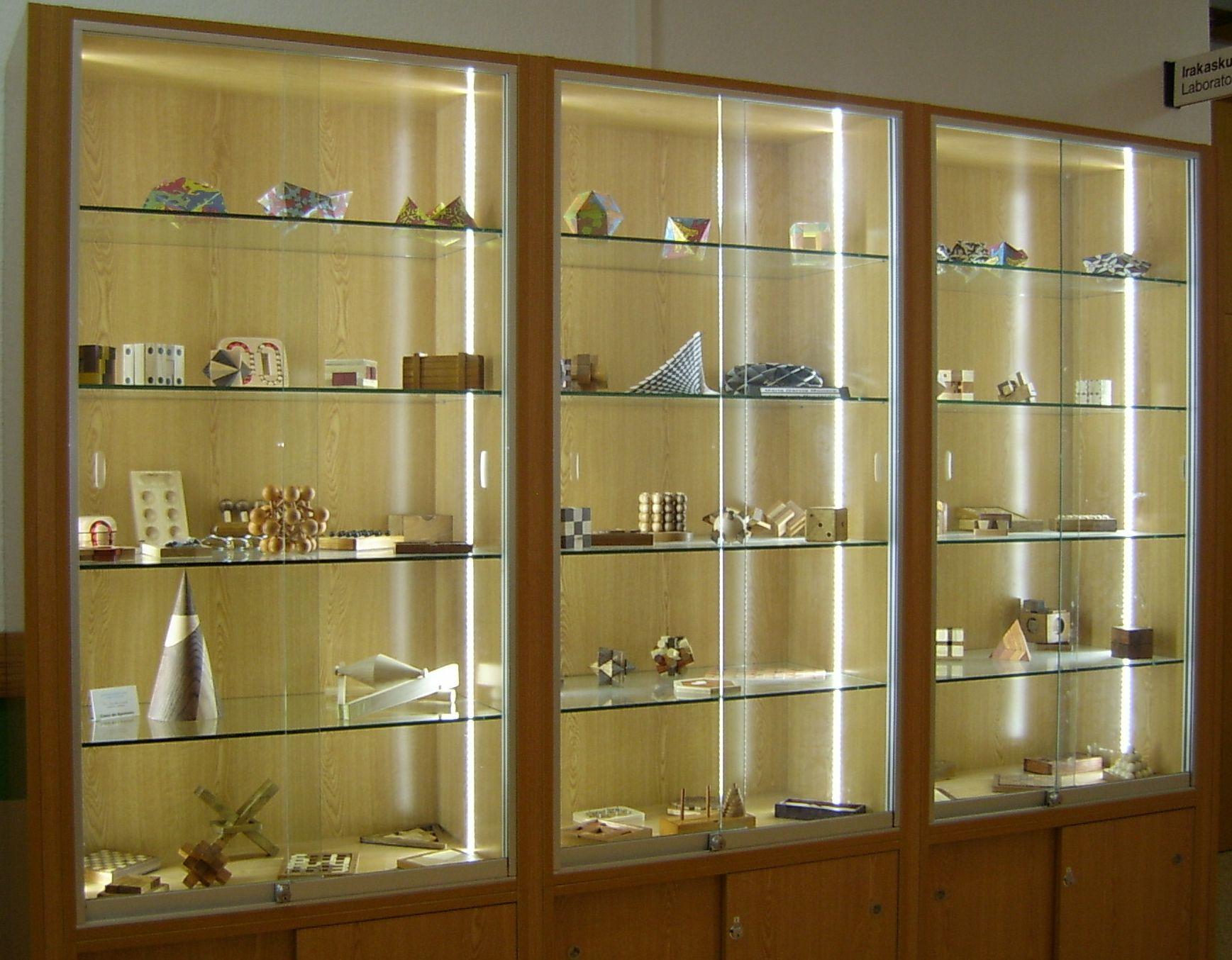 Mayo 2011 - Imagenes de vitrinas de madera ...