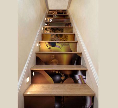 Una casa con decoraci n fractal for Decorar rincones de escaleras
