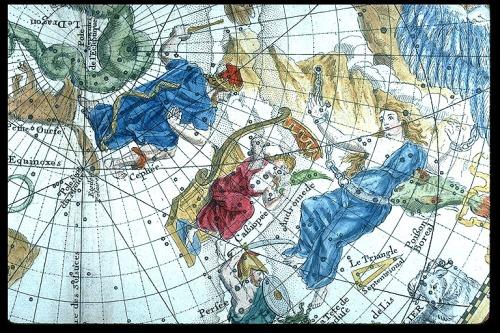 "Andromeda yCassiopeia, detalle del ""Planisphère celeste"" de  Philippe La Hire, 1705. http://commons.wikimedia.org/wiki/File:Andromeda_and_Cassiopeia_-_Philippe_La_Hire,_Planisphere_celeste,_1705.jpg"