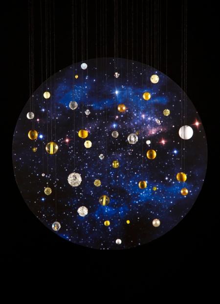 """""""Estudiando las relaciones del bosón de Higgs con las otras partículas, los físicos esperan conocer mejor el universo"""" http://www.zimandzou.fr/70282/983157/gallery/higgs-boson"""