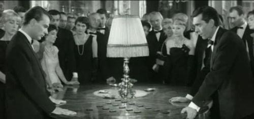 """El juego de Nim es un ejemplo de juego finito. Imagen de la película """"El año pasado en Marienbad"""" de Alain Resnais (guión de  Alain Robbe-Grillet)"""