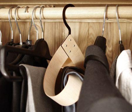 http://www.danhoolahan.co.uk/#/accessories-hanger/4556020411
