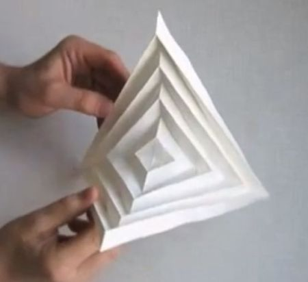 http://www.origamitessellations.com/2013/07/origami-hyperbolic-paraboloid-instructions/