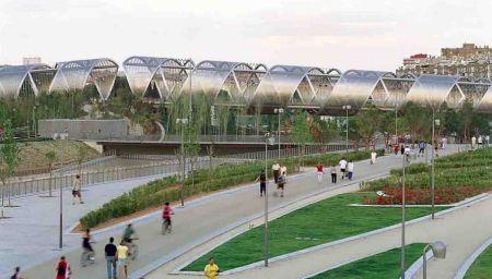 http://www.perraultarchitecte.com/en/projects/2550-arganzuela_footbridge.html