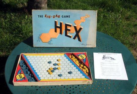 http://commons.wikimedia.org/wiki/File:Hex_zig-zag.jpg