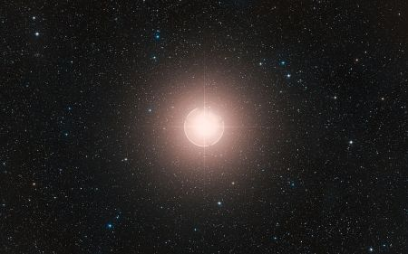 Betelgeuse http://www.eso.org/public/images/eso0927e/