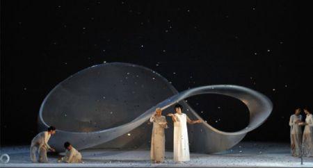 ©Mariko Mori. Fotografía de Michele Crosera (www.teatrolafenice.it)