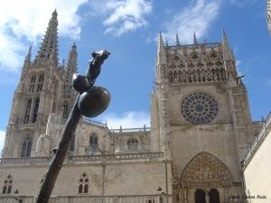 catedral-de-burgos-y-detalle-del-peregrino