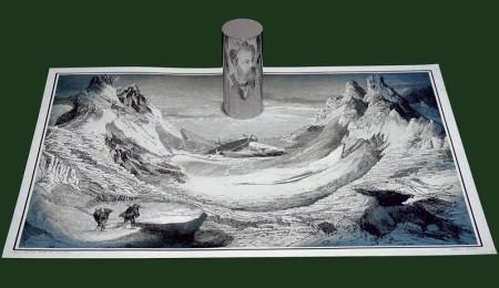 Itsván Orosz, Anamorfosis cilíndrica de Jules Verne y la isla misteriosa http://utisz.blogspot.com.es/p/anamorphoses.html