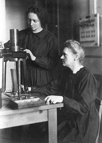 Irène Curie y Marie Curie, 1921 http://www.nobelprize.org/nobel_prizes/chemistry/laureates/1935/joliot-curie-photo.html