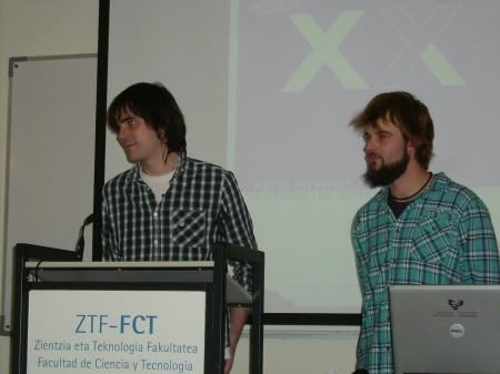 Iñigo Tobes Bardi e Iñigo San Emeterio durante la presentación