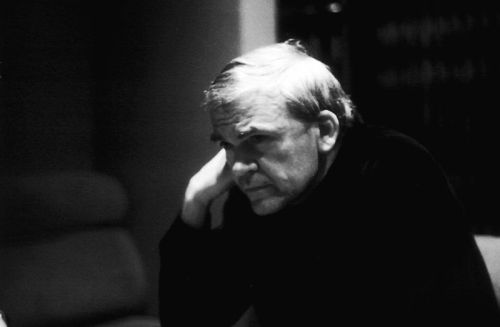 http://es.wikipedia.org/wiki/Milan_Kundera