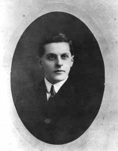 Ludwig_Wittgenstein_1910
