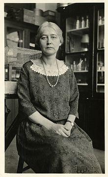 Maud_Leonora_Menten_(1879-1960)