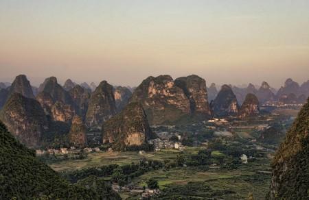 Vista de Yangshuo desde la Colina de la Luna