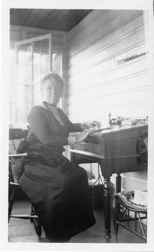 Cornelia Maria Clapp, bióloga y profesora entusiasta