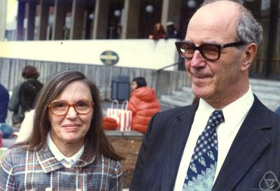Yvonne Choquet-Bruhat y Gustave Choquet, 1974