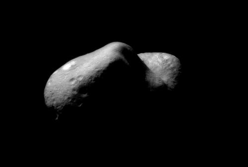 Eros visto por la sonda espacial NEAR-Shoemaker.