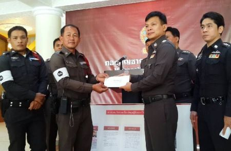 Policeman Rewarded 10,000 Baht For Declining Bribe