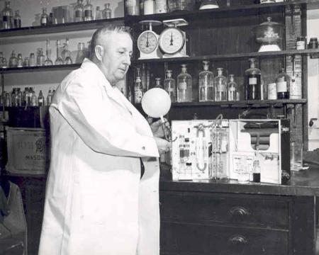 Rolla Neil Harger y su Drunkometer