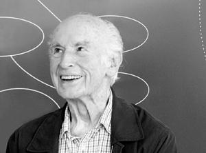 """Albert Hofmann nach dem GesprŠch """"†ber Schšnheit"""", in der Reihe der Veranstaltungen der Ausstellung Seelensysteme von Till Velten, im Helmhaus ZŸrich. Mehr Infomation unter: http://de.wikipedia.org/wiki/Albert_Hofmann"""
