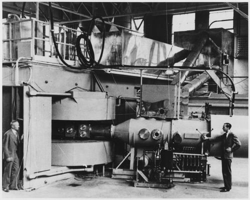 Berkeley_60-inch_cyclotron